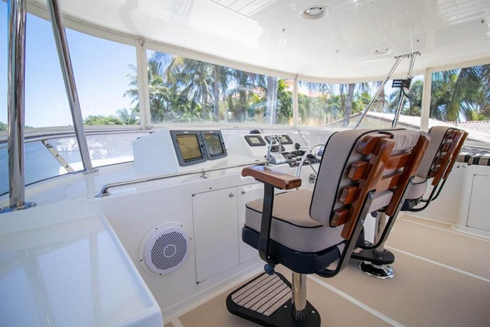 2007 Offshore Yachts Pilothouse Photo 19 of 126