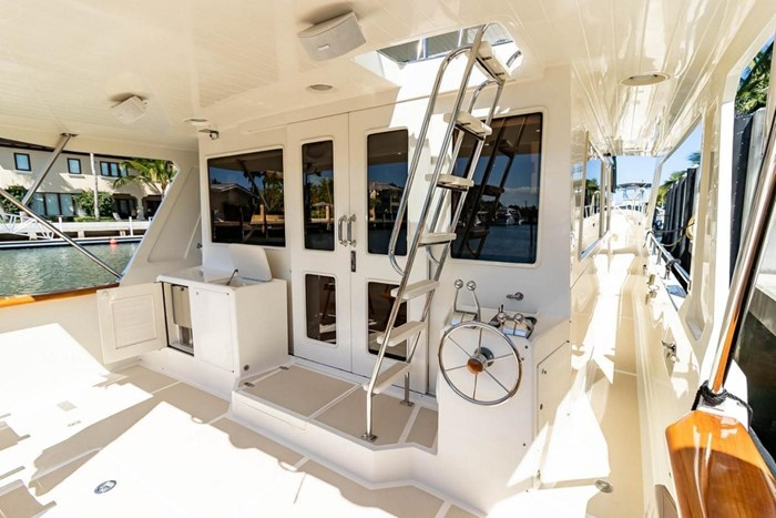 2007 Offshore Yachts Pilothouse Photo 21 of 126