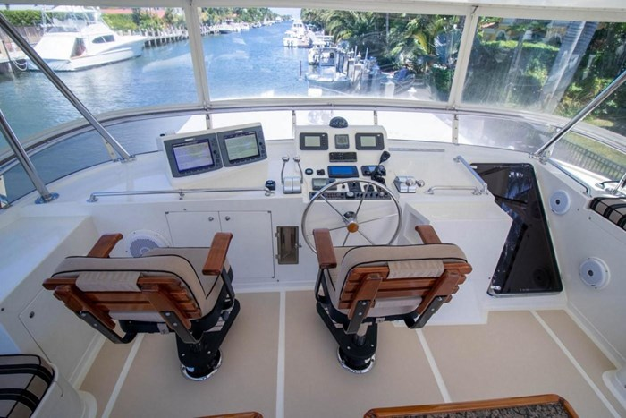 2007 Offshore Yachts Pilothouse Photo 22 of 126