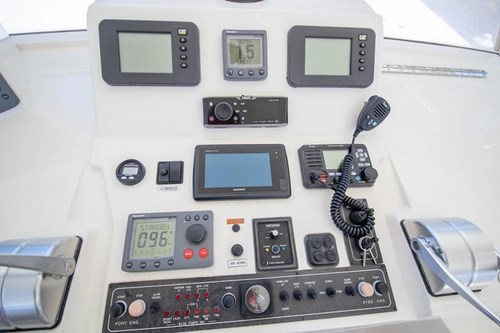 2007 Offshore Yachts Pilothouse Photo 25 of 126