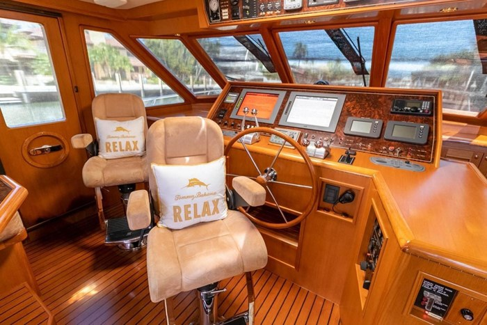 2007 Offshore Yachts Pilothouse Photo 29 of 126