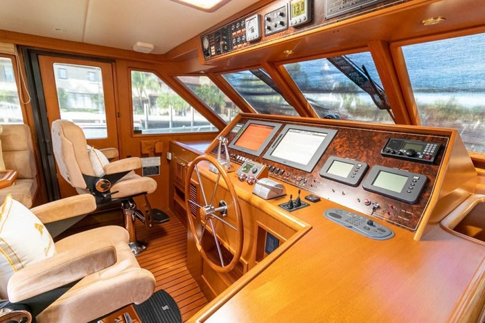 2007 Offshore Yachts Pilothouse Photo 30 of 126