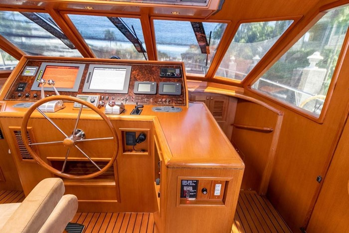 2007 Offshore Yachts Pilothouse Photo 31 of 126