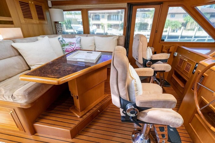 2007 Offshore Yachts Pilothouse Photo 34 of 126