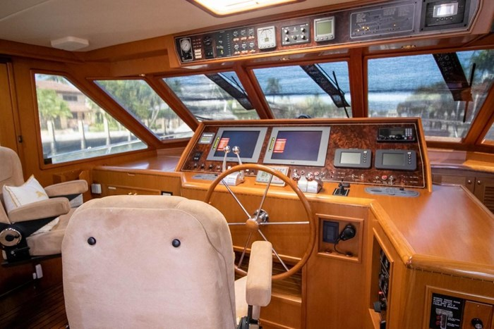 2007 Offshore Yachts Pilothouse Photo 35 of 126