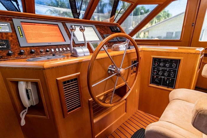 2007 Offshore Yachts Pilothouse Photo 39 of 126