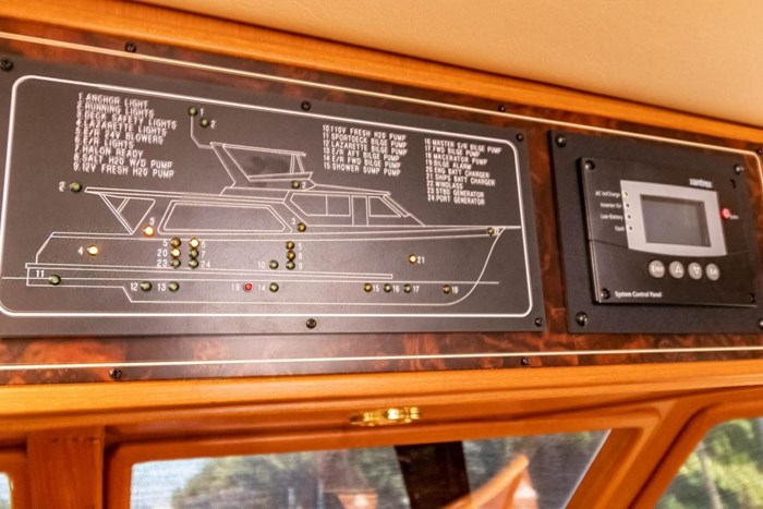 2007 Offshore Yachts Pilothouse Photo 46 of 126