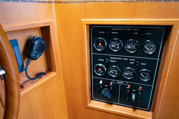 2007 Offshore Yachts Pilothouse Photo 47 of 126