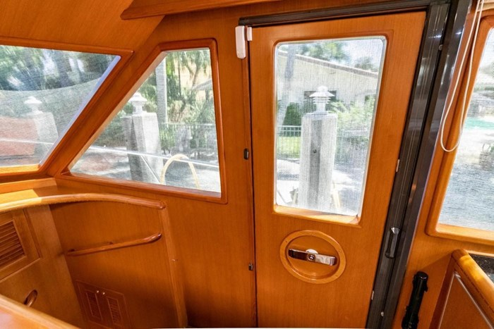 2007 Offshore Yachts Pilothouse Photo 48 of 126