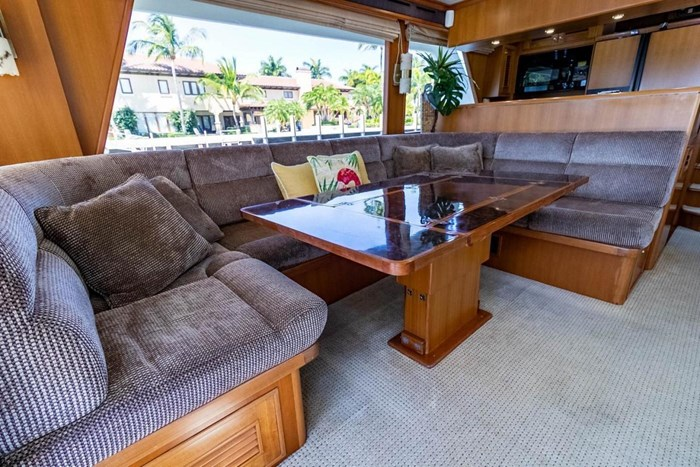 2007 Offshore Yachts Pilothouse Photo 58 of 126