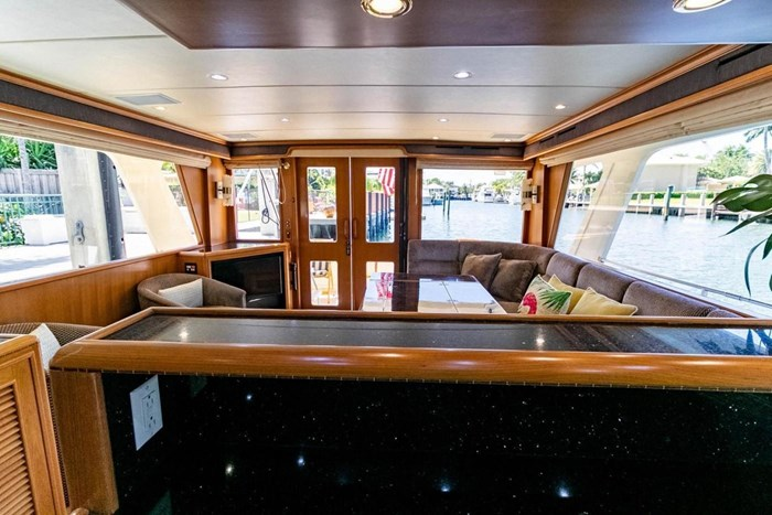 2007 Offshore Yachts Pilothouse Photo 61 of 126