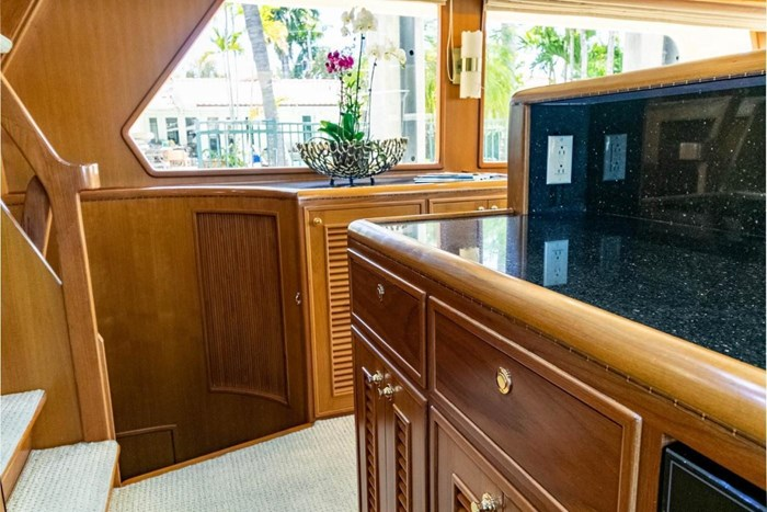 2007 Offshore Yachts Pilothouse Photo 66 of 126