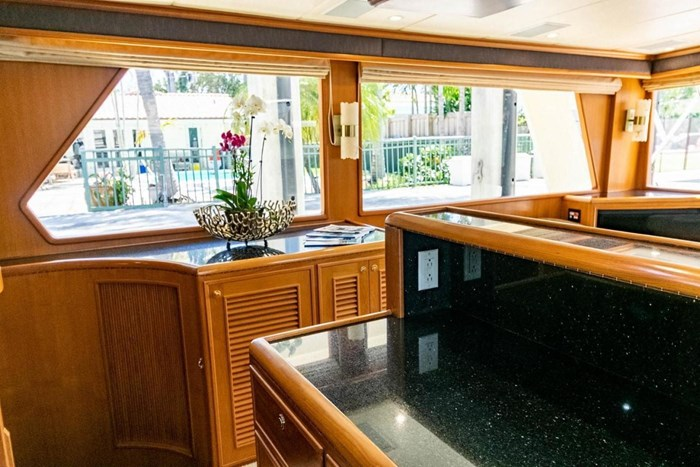 2007 Offshore Yachts Pilothouse Photo 67 of 126