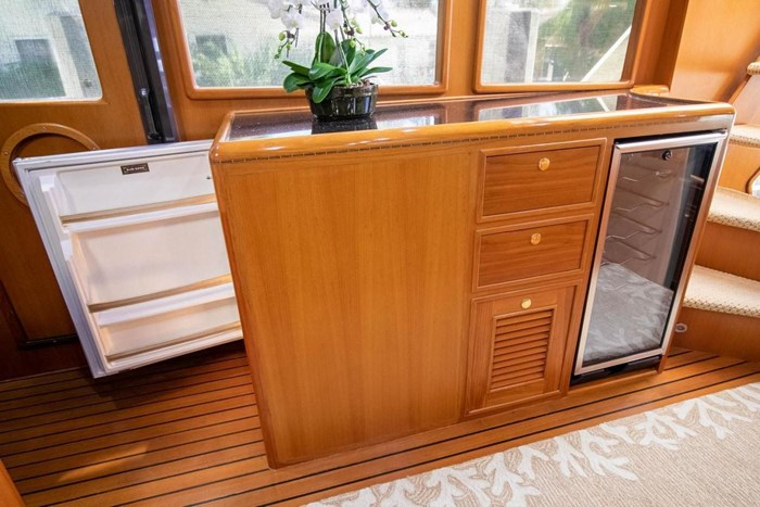 2007 Offshore Yachts Pilothouse Photo 71 of 126