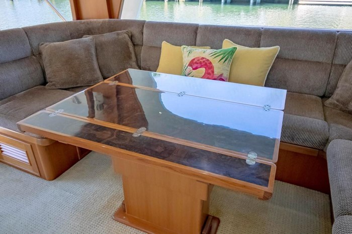 2007 Offshore Yachts Pilothouse Photo 74 of 126