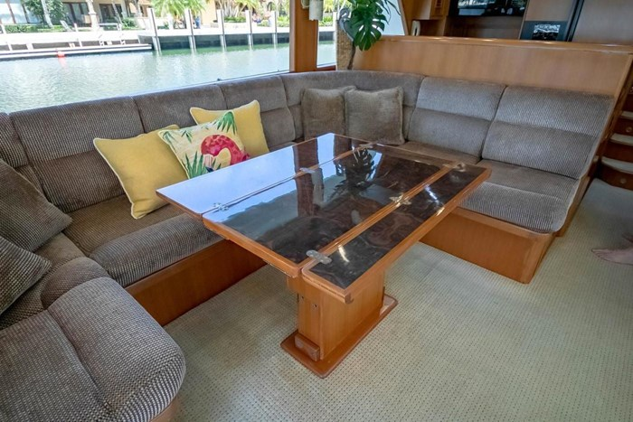 2007 Offshore Yachts Pilothouse Photo 75 of 126
