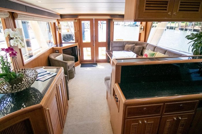 2007 Offshore Yachts Pilothouse Photo 77 of 126