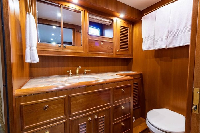 2007 Offshore Yachts Pilothouse Photo 90 of 126
