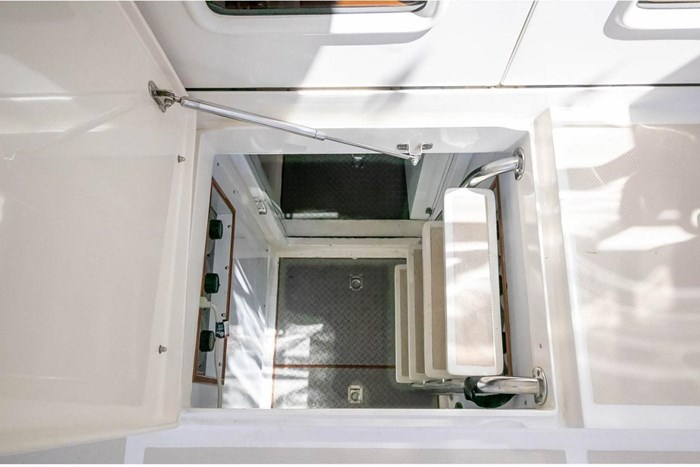 2007 Offshore Yachts Pilothouse Photo 95 of 126