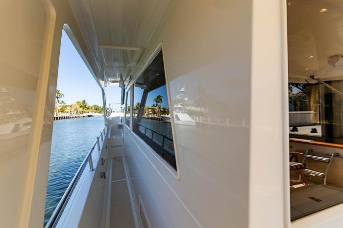 2007 Offshore Yachts Pilothouse Photo 106 of 126