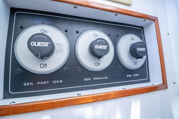 2007 Offshore Yachts Pilothouse Photo 112 of 126