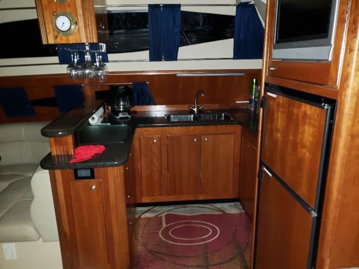 2005 Cruisers Yachts 455 Express Motor Yacht Photo 4 sur 47