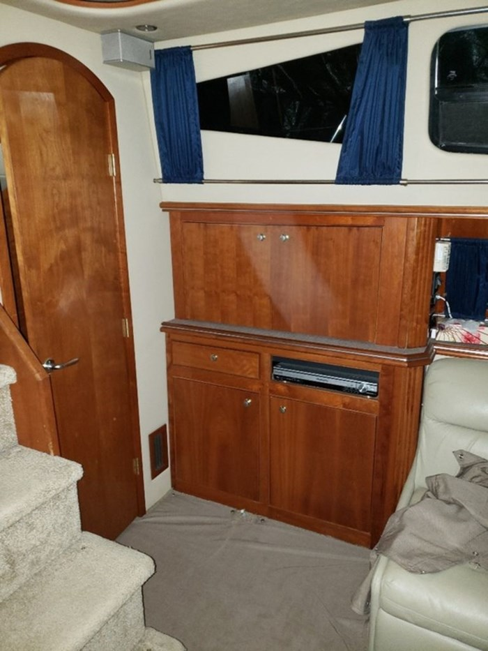 2005 Cruisers Yachts 455 Express Motor Yacht Photo 5 sur 47