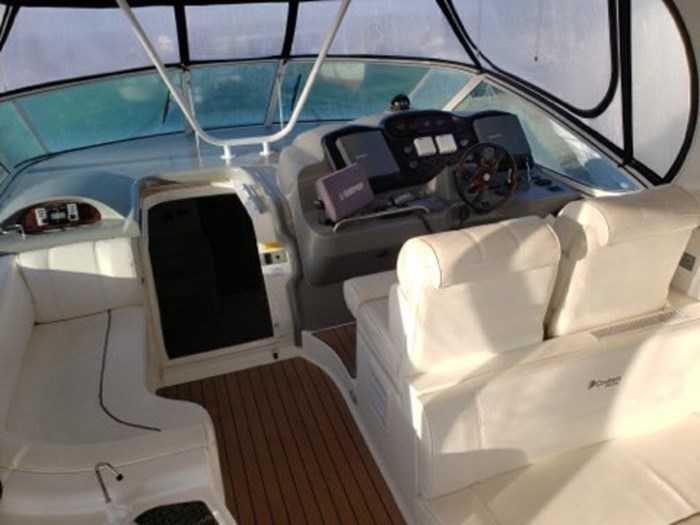 2005 Cruisers Yachts 455 Express Motor Yacht Photo 40 sur 47