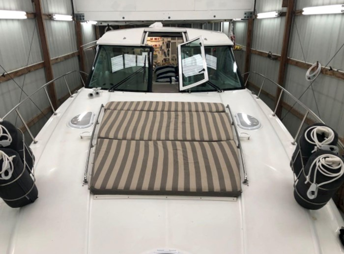 2009 Cruisers Yachts Sport Coupe Photo 14 sur 30