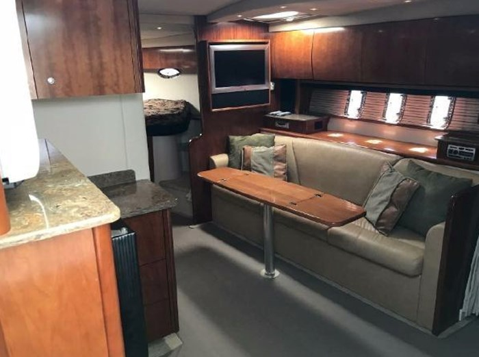 2009 Cruisers Yachts Sport Coupe Photo 16 sur 30