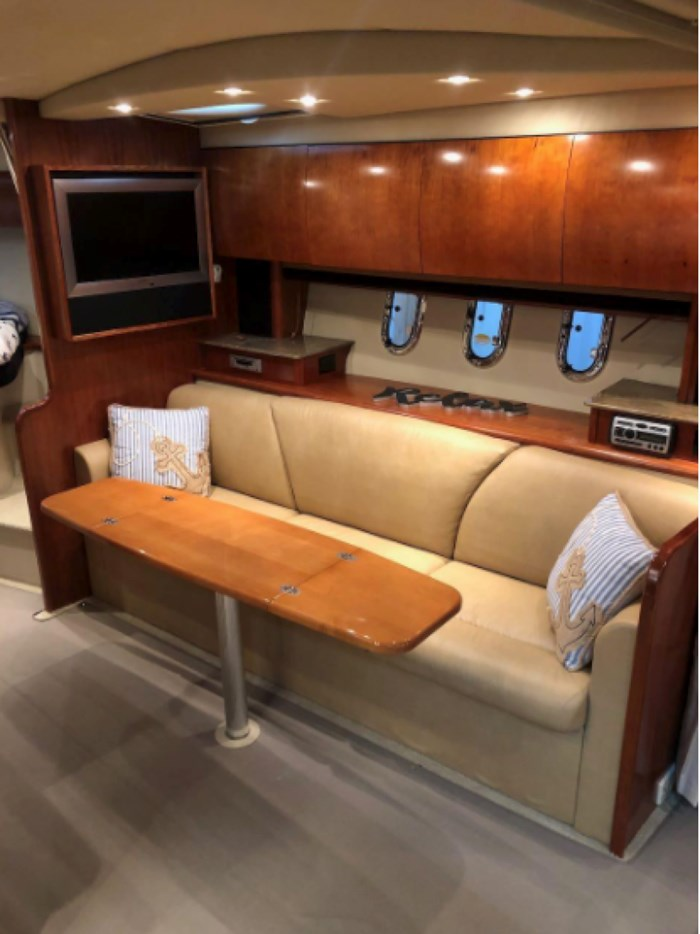 2009 Cruisers Yachts Sport Coupe Photo 18 sur 30