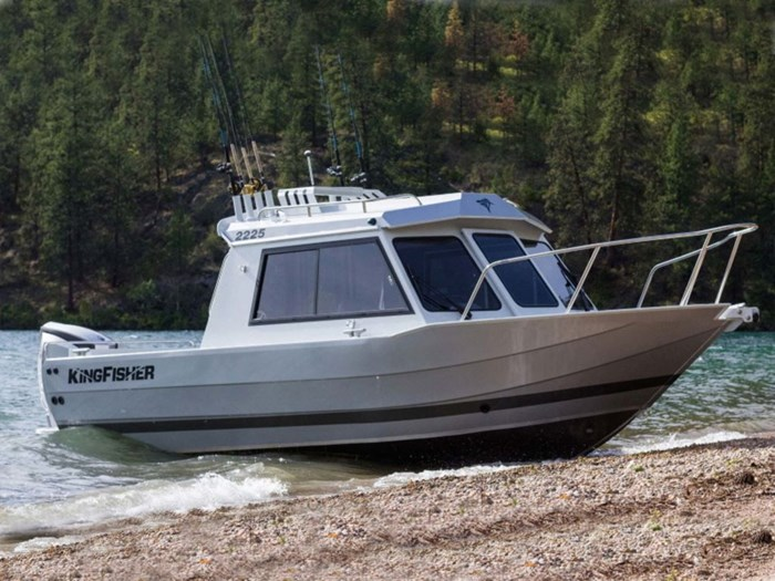2020 KingFisher 2225 Escape HT Photo 1 of 4