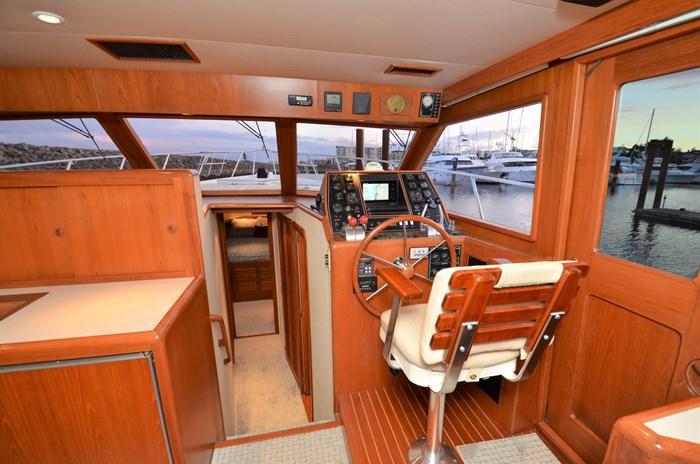 1997 Offshore Yachts 52 Sedan Photo 19 sur 67