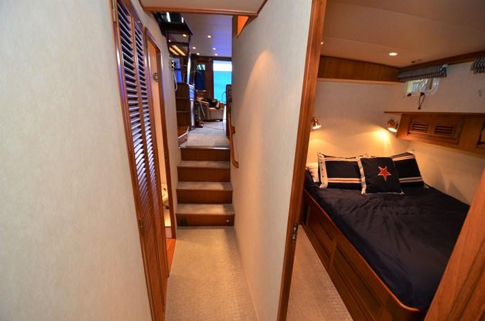 1997 Offshore Yachts 52 Sedan Photo 27 sur 67