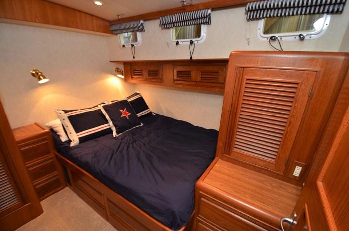 1997 Offshore Yachts 52 Sedan Photo 28 sur 67