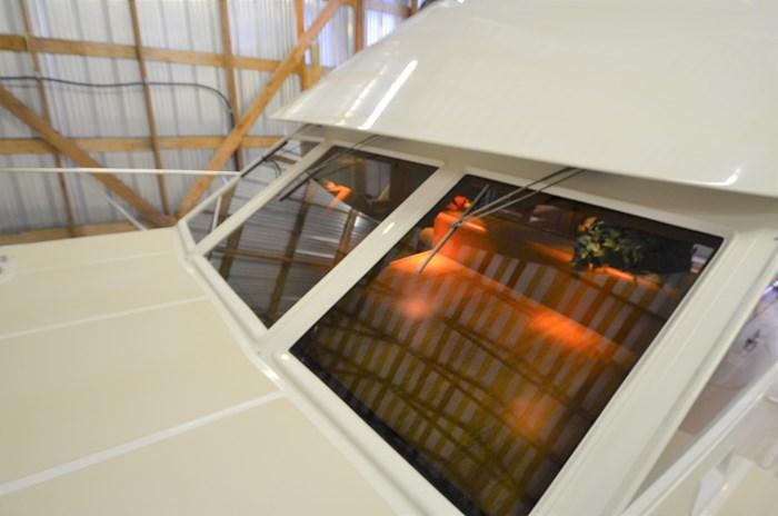 1997 Offshore Yachts 52 Sedan Photo 40 sur 67