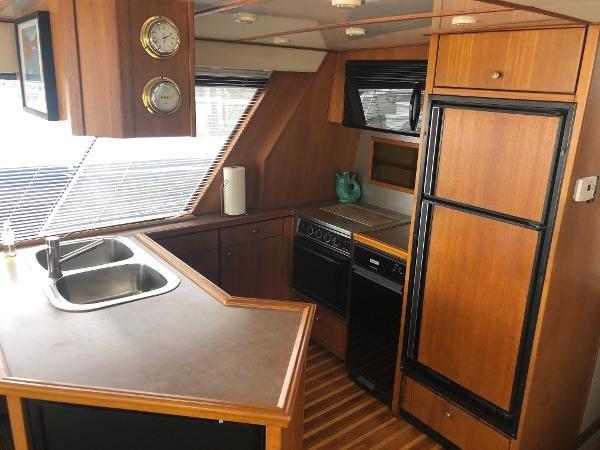 1996 Bayliner 4788 Pilot House Motoryacht Photo 17 sur 28