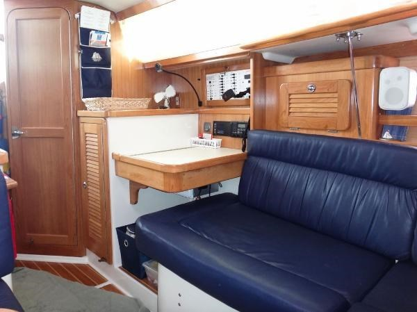 2005 Catalina 34 MKII 35th Anniversary Edition Photo 22 of 32