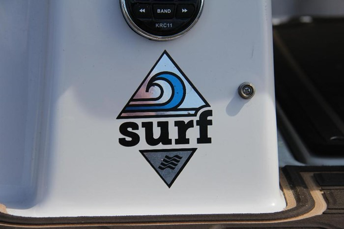2019 Four Winns 200 SURF Photo 13 of 18