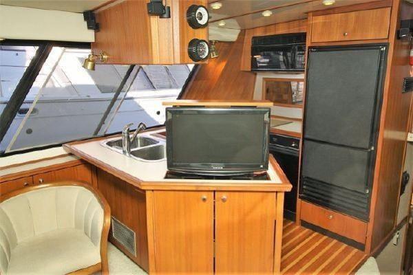 1994 Bayliner 4788 Motoryacht Photo 9 of 48