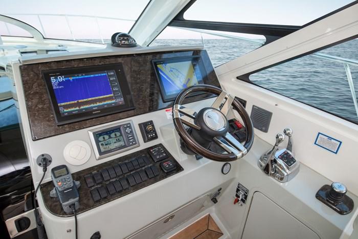 2012 Sea Ray 470 Sundancer Photo 16 of 42