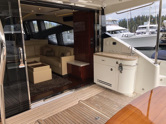 2017 Sea Ray L650 Fly Photo 4 sur 52