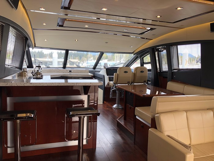 2017 Sea Ray L650 Fly Photo 7 sur 52