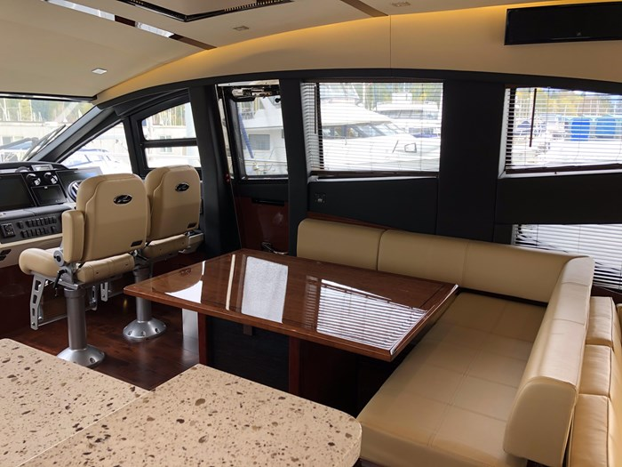 2017 Sea Ray L650 Fly Photo 9 sur 52
