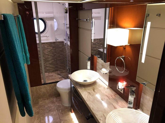 2017 Sea Ray L650 Fly Photo 35 sur 52