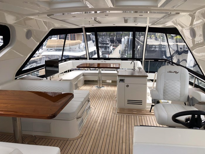 2017 Sea Ray L650 Fly Photo 39 sur 52