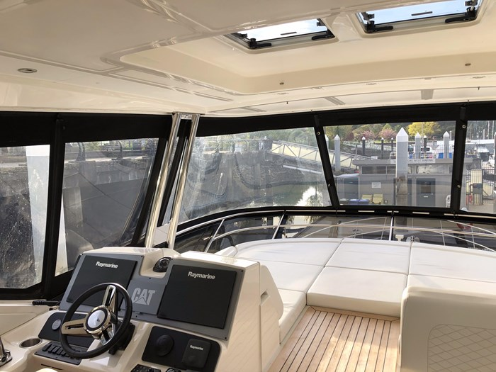 2017 Sea Ray L650 Fly Photo 40 sur 52