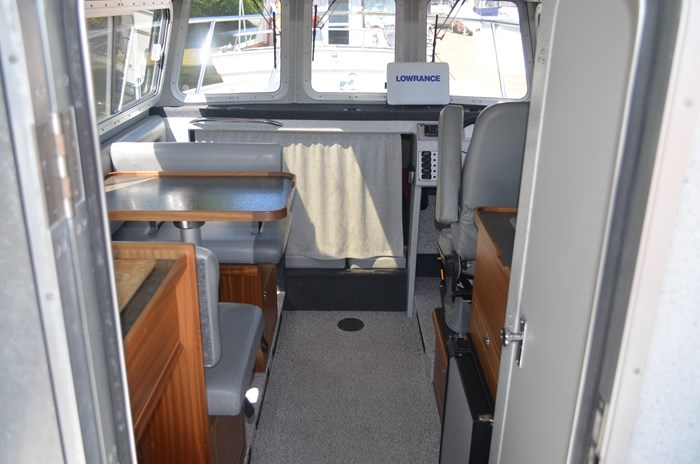 2015 KingFisher 2525 Offshore Photo 11 of 35