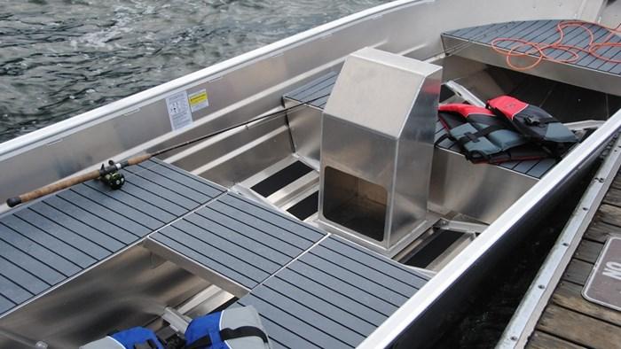 2020 Marlon Welded Utility Boat WV14L W/ Center Console Photo 4 of 8