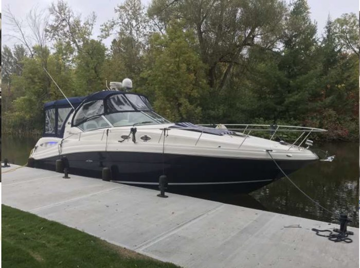 2005 Sea Ray 340 Sundancer Photo 26 of 27